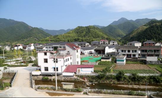 王家源村位于淳安县文昌镇,村域面积15.